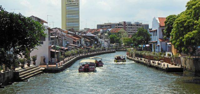 Entre modernité et tradition, la Malaisie est une destination aux mille et une facettes. Avec ses bâtiments coloniaux, ses gratte-ciel, ses plages de sable fin et ses forêts tropicales denses, […]